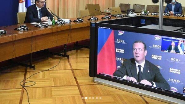 Aleksandar Vučić i Dmitrij Medvedev, sastanak - Sputnik Srbija