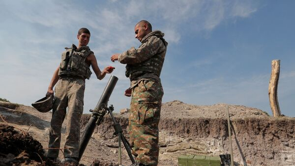 Јерменски војници на фронту током сукоба у Нагорно-Карабаху - Sputnik Србија