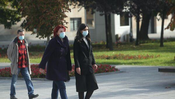 Banjalučanke nose maske na otvorenom - Sputnik Srbija