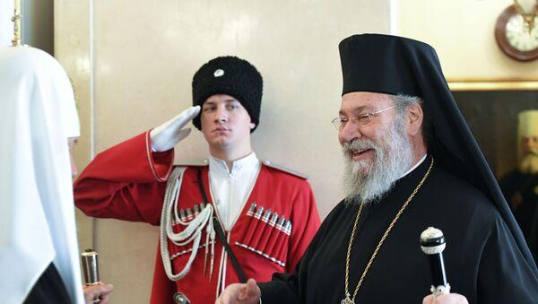 Хризостом без Синода признао ПЦУ, митрополит напустио литургију у знак протеста - Sputnik Србија