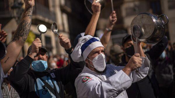 Протест у Шпанији због мера уведених због пандемије - Sputnik Србија