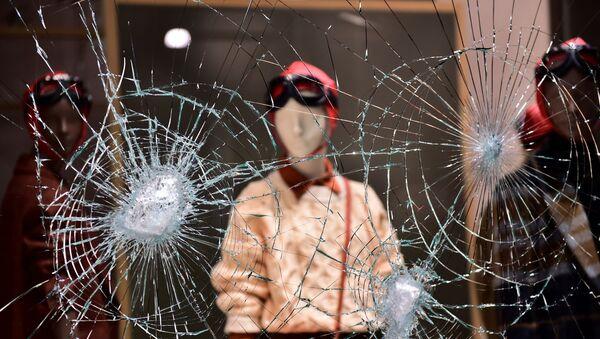 Протести у Италији због нових корона мера - Sputnik Србија
