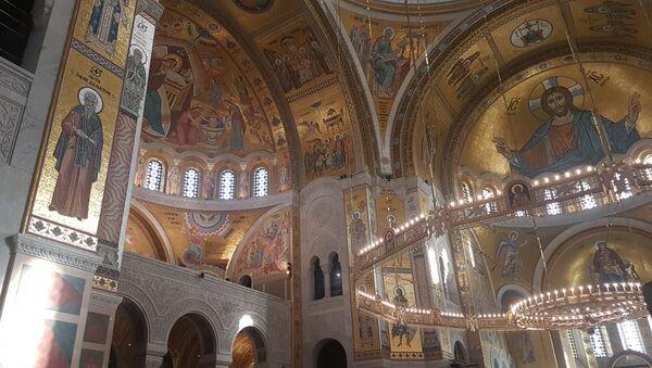 Нико није остао равнодушан на лепоту мозаика у Храму - Sputnik Србија