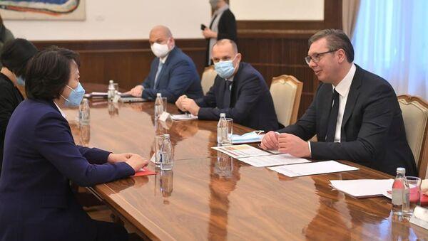Председник Србије Александар Вучић са амбасадорком Кине Чен Бо - Sputnik Србија