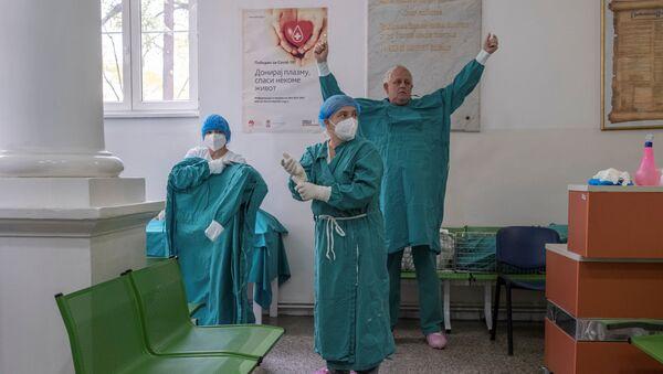 "Lekari na kovid odeljenju bolnice ""Dr Dragiša Mišović"" - Sputnik Srbija"