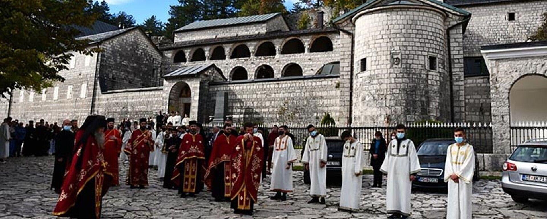 Episkop Joanikije služio pomen mitropolitu Amfilohiju u Cetinjskom manastiru - Sputnik Srbija, 1920, 18.08.2021