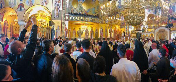 Света литургија, коју предводи патријарх српски Иринеј са више архијереја СПЦ и других помесних цркава - Sputnik Србија