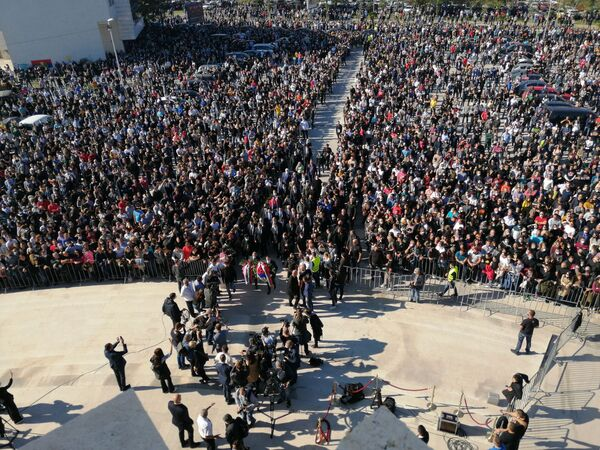 Председници Александар Вучић и Милорад Додик стижу на церемонију сахрањивања митрополита Амфолохија - Sputnik Србија