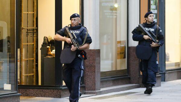 Policija u Beču patrolira ulicama posle terorističkog napada   - Sputnik Srbija