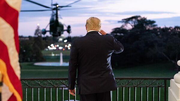 Donald Tramp dočekuje predsednički helikopter, Vašington, SAD - Sputnik Srbija