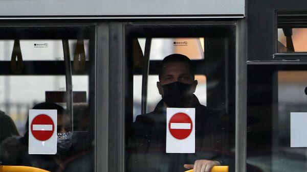 Gradski prevoz u Beogradu tokom pandemije virusa korona - Sputnik Srbija
