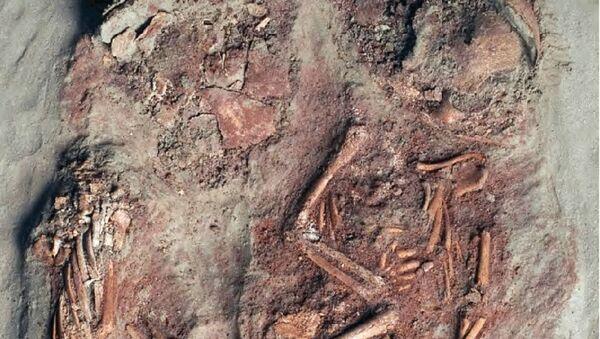 Остаци двоје новорођенчади која су живела пре око 30.000 година и сматрају се најранијим познатим доказима о идентичним близанцима. - Sputnik Србија