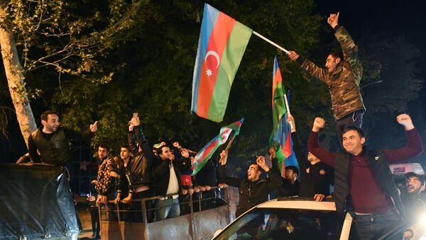 Atmosfera u Azerbejdžanu nakon usvajanja zajedničke trilateralne izjave o prekidu vatre u Karabahu - Sputnik Srbija