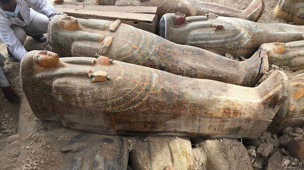 Древни ковчези у боји са натписима и цртежима у египатском граду Луксору - Sputnik Србија