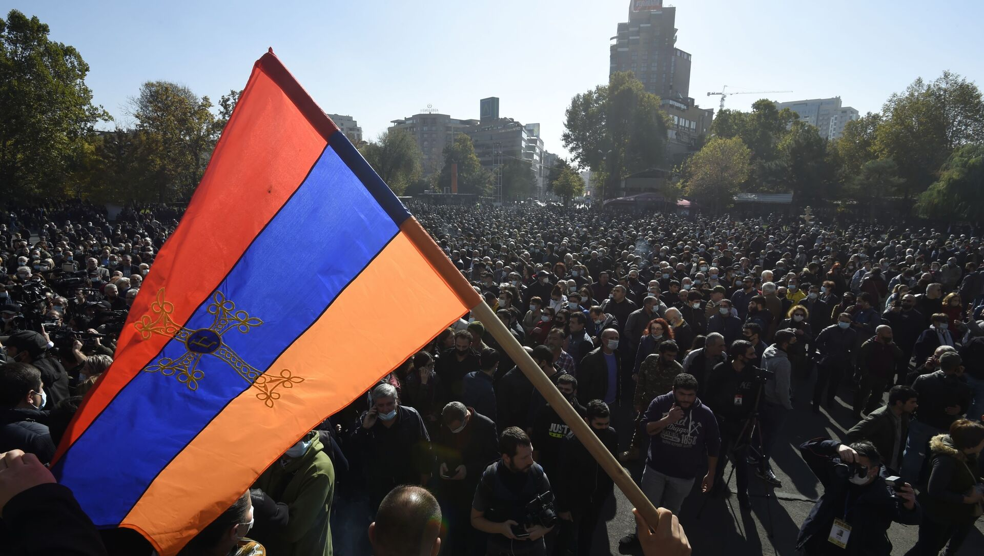 Учесници митинга опозиције на Тргу слободе у Јеревану - Sputnik Србија, 1920, 26.02.2021