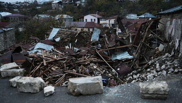 Разрушенные дома в Степанакерте - Sputnik Србија