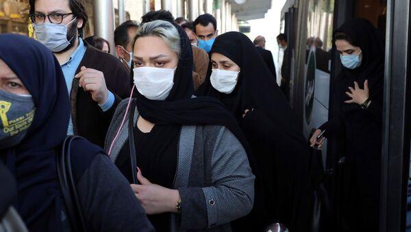 Stanovnici Teherana nose zaštitne maske - Sputnik Srbija