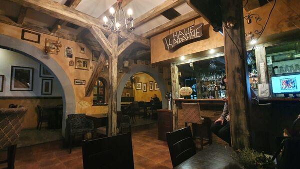 Кафићи, барови и ресторани су скоро празни - Sputnik Србија