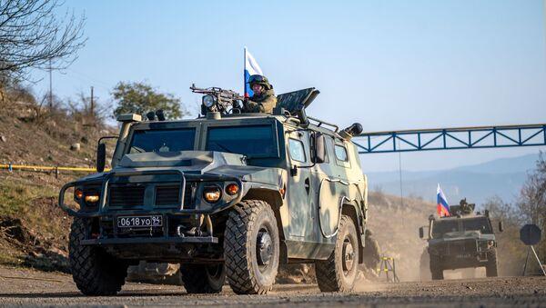 Vojna tehnika ruskih mirovnih snaga u Nagorno-Karabahu - Sputnik Srbija
