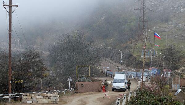 Контролни пункт руских мировних снага у Лачинском коридору Нагорно-Карабаха - Sputnik Србија
