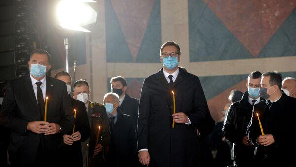 Milorad Dodik i Aleksandar Vučić na sahrani patrijarha Irineja. - Sputnik Srbija
