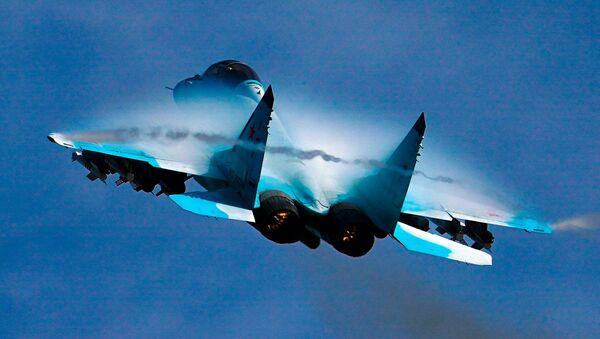 Istrebitelь MiG-29 vыpolnяet demonstracionnый polet v ramkah Meždunarodnogo foruma Armiя-2020 na aэrodrome Kubinka v Podmoskovьe - Sputnik Srbija