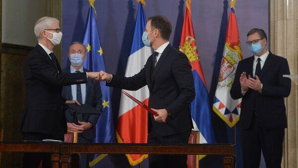 Србија и Француска потписале су споразум о сарадњи у области спровођења приоритетних пројеката - Sputnik Србија