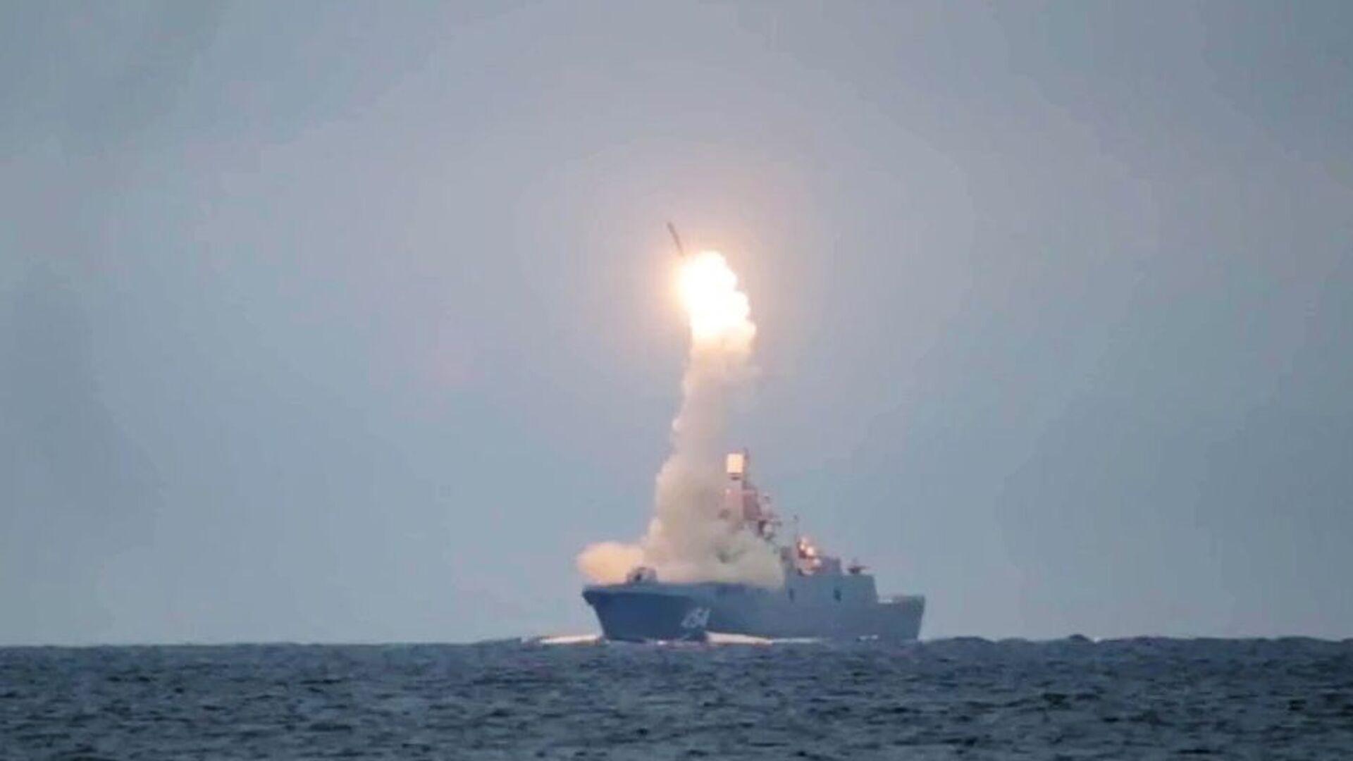 Лансирање хиперсоничне ракете Циркон са фрегате Адмирал Горшков у Белом мору - Sputnik Србија, 1920, 20.04.2021