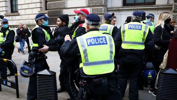 Protest protiv zaključavanja u Londonu. - Sputnik Srbija