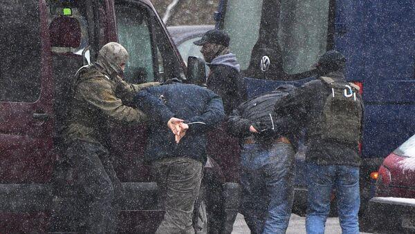 Beloruska policija privodi učesnike protesta u Minsku - Sputnik Srbija
