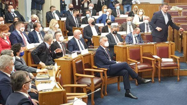 Председник Црне Горе Мило Ђукановић на представљању предлога нове владе - Sputnik Србија