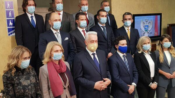 Članovi nove Vlade Crne Gore na čelu sa premijerom Zdravkom Krivokapićem - Sputnik Srbija
