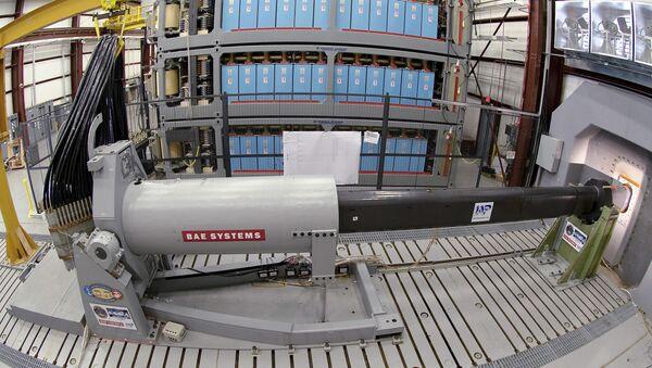 Прототип електромагнетног оружја у центру америчке морнарице - Sputnik Србија