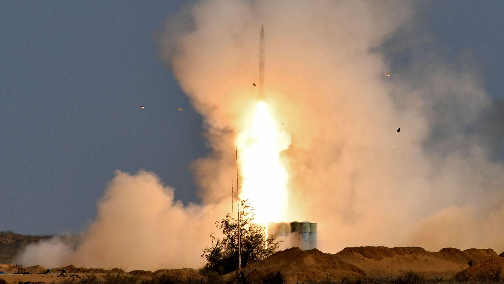Lansiranje rakete protivvazdušnog sistema S-400 Trijumf - Sputnik Srbija, 1920, 06.09.2021