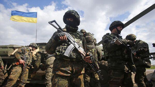 Ukrajinski vojnici tokom sukoba u Donbasu - Sputnik Srbija