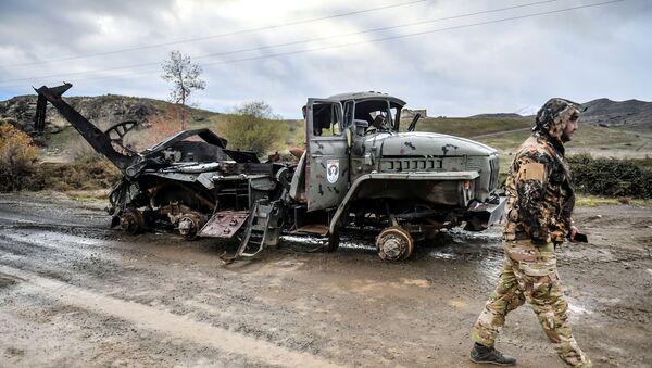 Уништено јерменско војно возило у предграђу Џабраила - Sputnik Србија