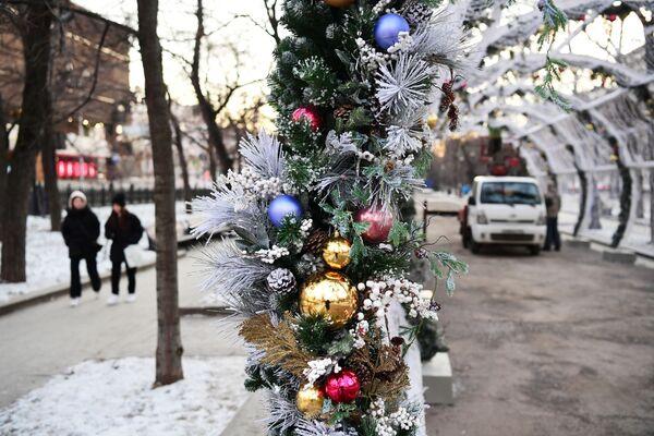 Novogodišnji ukrasi na Tverskom bulevaru u Moskvi.  - Sputnik Srbija
