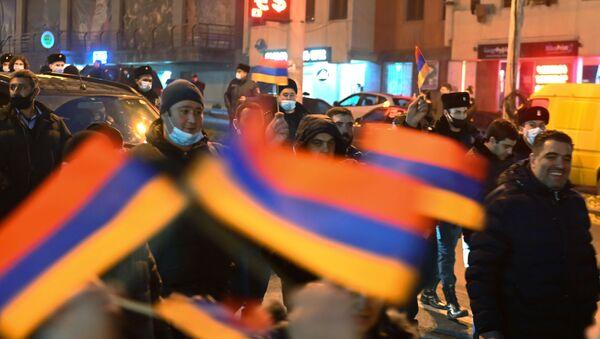 Pristalice jermenske opozicije tokom protesta u Jerevanu - Sputnik Srbija