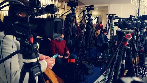 Brojne novinarske ekipe čekaju sastanak Vučića i Lavrova - Sputnik Srbija