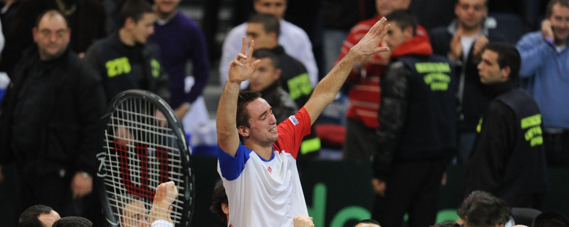 Viktor Troicki posle pobede nad Francuskom u finalu Dejvis kupa 2010. godine - Sputnik Srbija, 1920, 18.12.2020