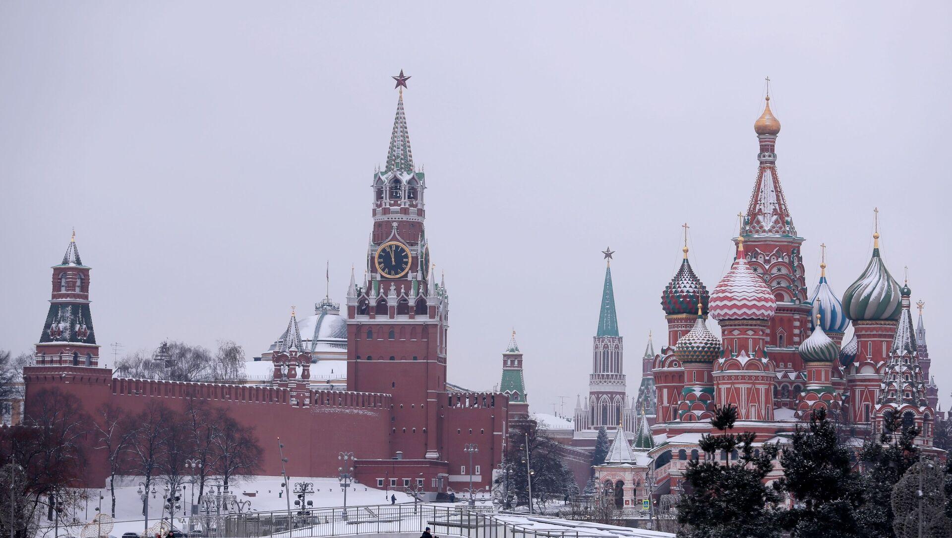 Поглед на московски Кремљ и Спаску кулу - Sputnik Србија, 1920, 16.02.2021