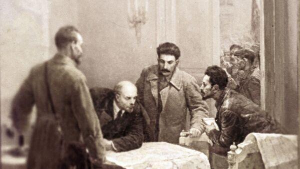 """Reprodukcija slike """"24. oktobar 1917"""". Umetnik Vladimir Serov. Muzej ruske umetnosti u Kijevu. - Sputnik Srbija"""