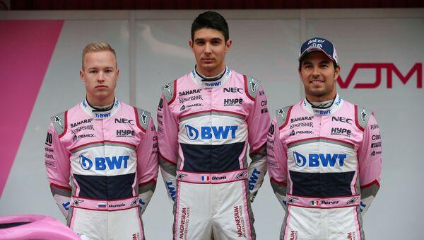 Vozači Formule 1, sleva na desno: Nikita Mazepin, Sebastijan Okon i Serhio Peres - Sputnik Srbija