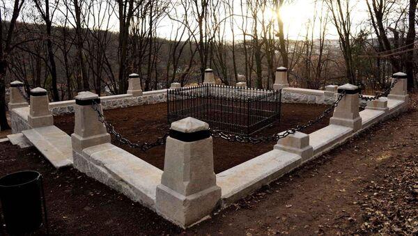 Obnovljeno spomen obeležje na mestu pogibije kneza Mihaila u Košutnjaku - Sputnik Srbija