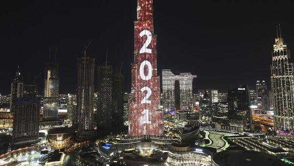 Бурџ Калифа у Дубаију у знаку Нове године - Sputnik Србија