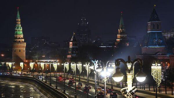 Novogodišnja rasveta na ulici u Moskvi - Sputnik Srbija