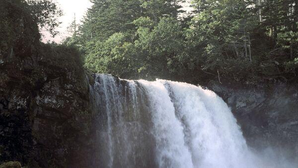 Водопад на острву Кунашир - Sputnik Србија