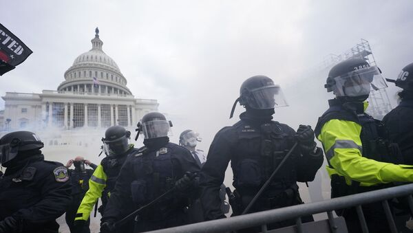 Протест у Вашингтону испред зграде Конгреса - Sputnik Србија