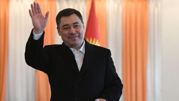 Predsednički kandidat na izborima u Kirgiziji Sadir Žaparov nakon glasanja na biračkom mestu u Biškeku - Sputnik Srbija