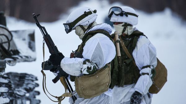 Војници Северне флоте учествују у зимским обукама - Sputnik Србија